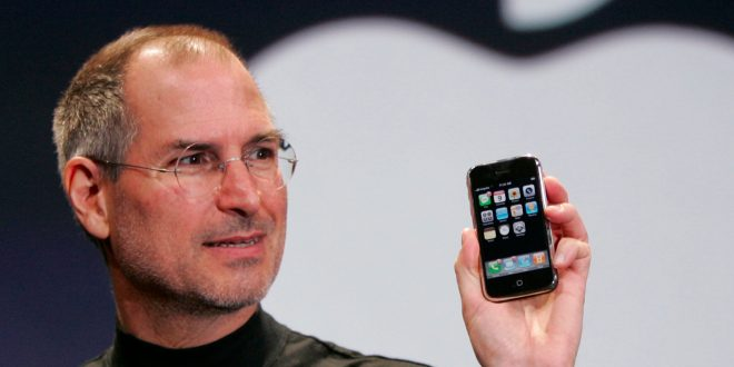 apple-reinvents-the-phone-how-steve-jobs-launched-the-first-ever-iphone
