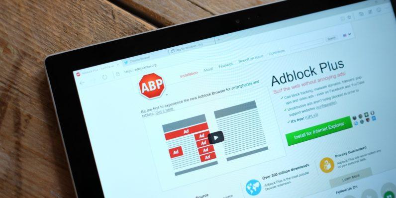 Photo of إضافة مزيفة لمانع الاعلانات (Adblock) تسجل 37000 مرة تحميل في شهر
