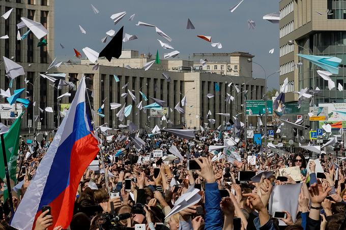 ابل تتجاهل الكرملين الروسي وتقبل تحديثات تطبيق تليجرام