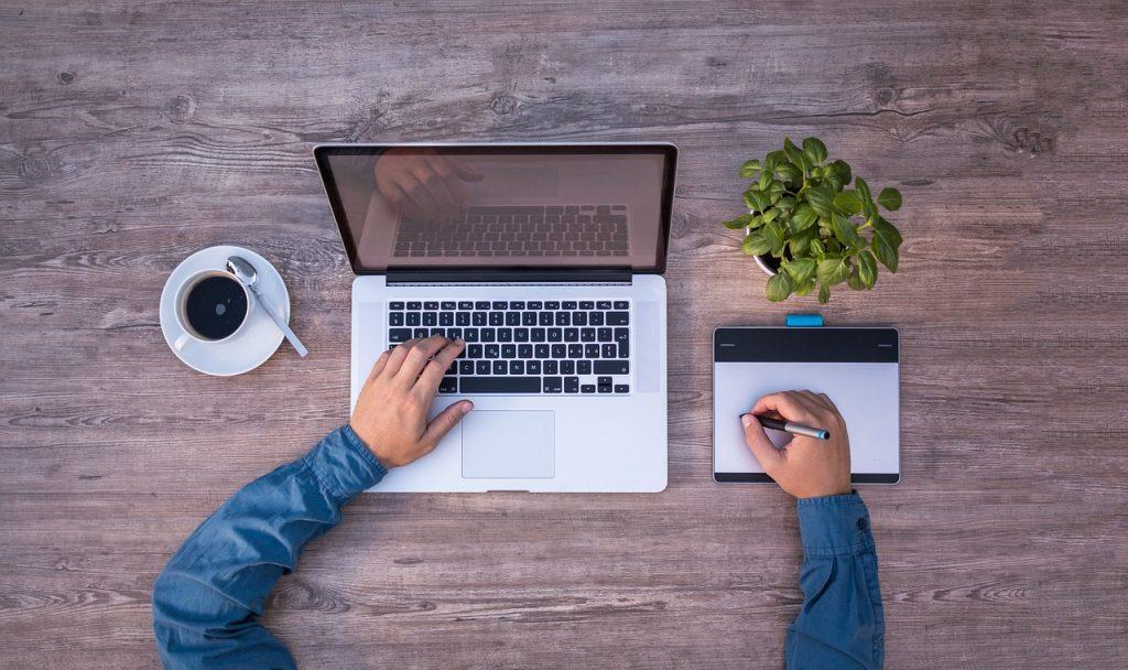 العمل الحر FREELANCE : التعريف والشروط والمزايا والعيوب 1