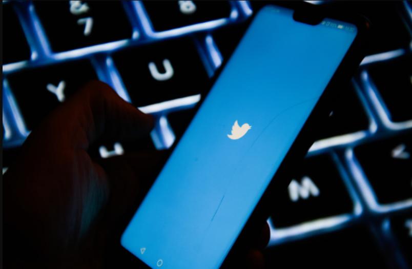 تويتر تختبر تحذير المستخدم من مشاركة مقال قبل قراءته