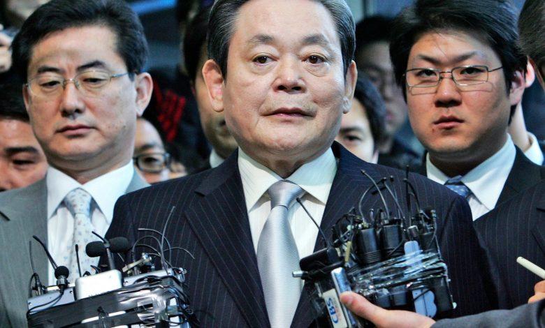 صورة سامسونج تعلن وفاة رئيسها Lee Kun-hee
