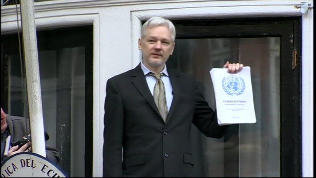 فيديو : القبض على مؤسس ويكيلكس في لندن