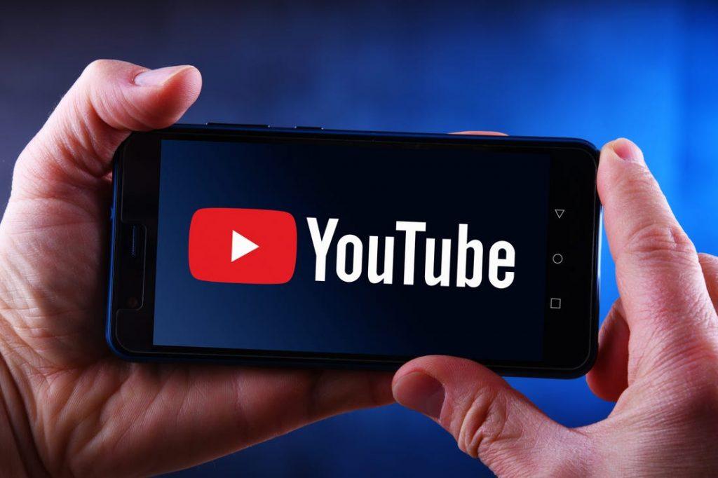كيف تخفي أي فيديو خاص بك من اليوتيوب (أسهل طريقة)