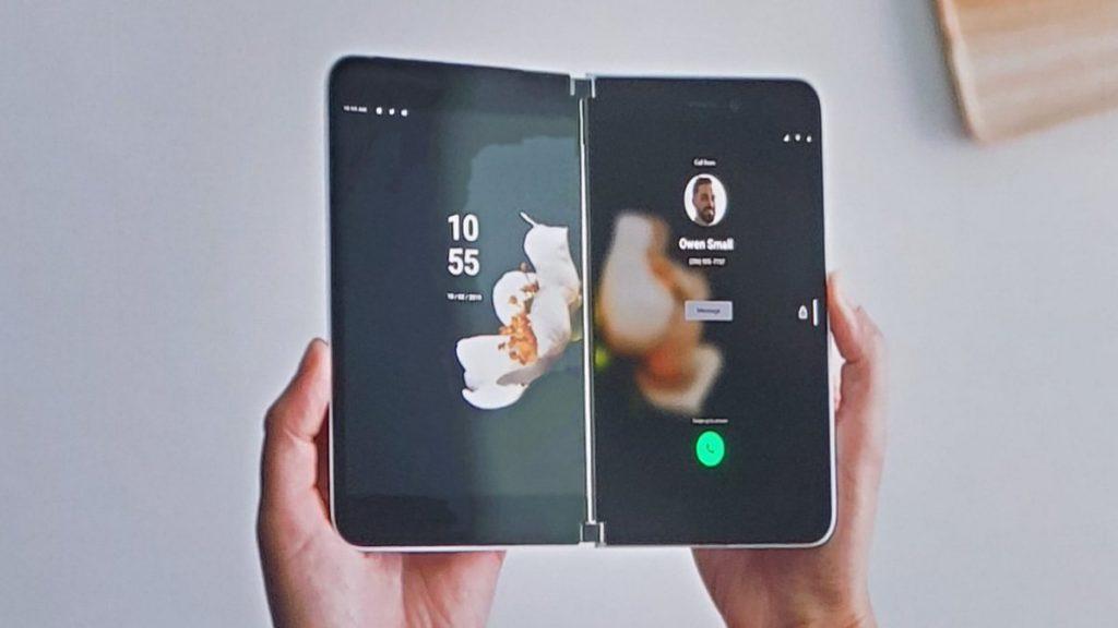 مايكروسوفت تباغت الجميع وتطلق هاتف قابل للطي يعمل بنظام الاندرويد