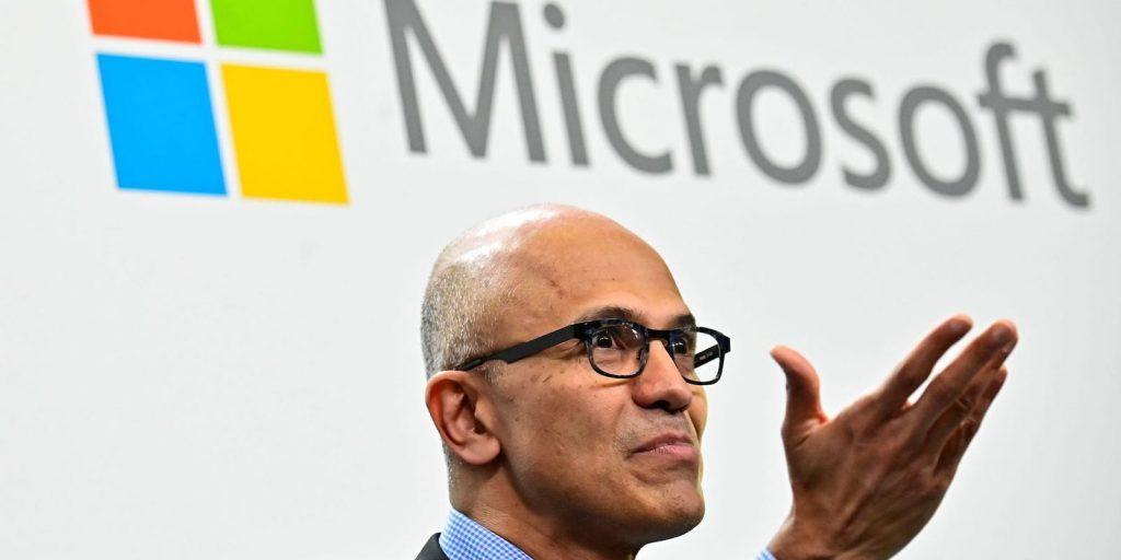 مايكروسوفت تصمد في نادي التريليون بعد سقوط ابل وجوجل وامازون