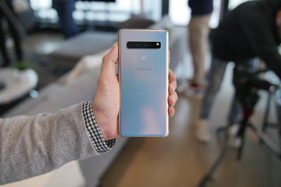 سامسونج تكشف رسميا عن هاتف جالاكسي اس 10 في 4 موديلات : هذه هي الفوارق بينهم 12
